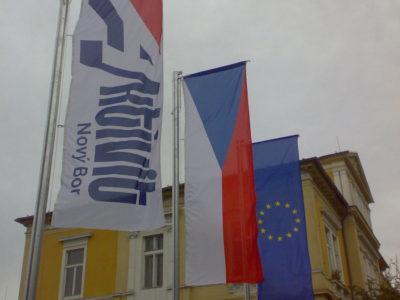 vlajky v novém boru